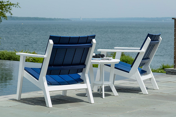 Seaside Casual MAD Fusion Chat (White/Navy) & Seaside Casual MAD Fusion Chat Chair